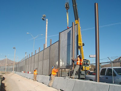 border-wall-construction-El-Paso-CBP-photo